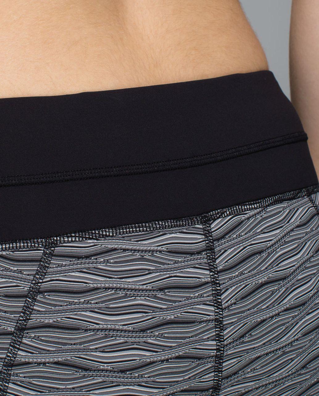 Lululemon Inspire Tight II - Textured Wave Black Silver Spoon / Black