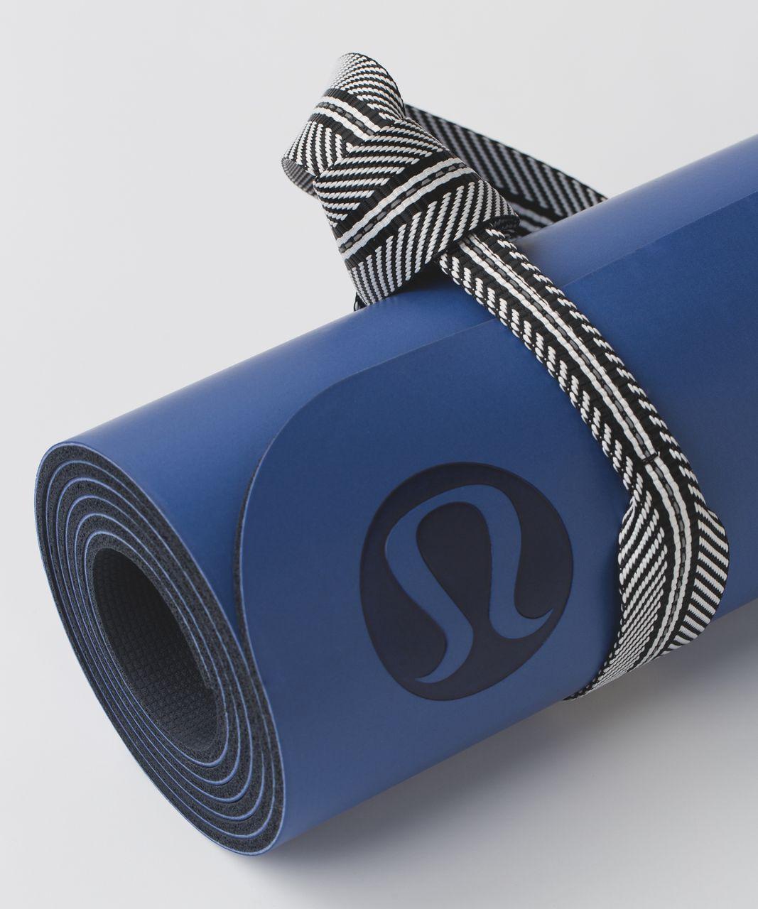 Lululemon Loop It Up Mat Strap *Reflective - Black / White