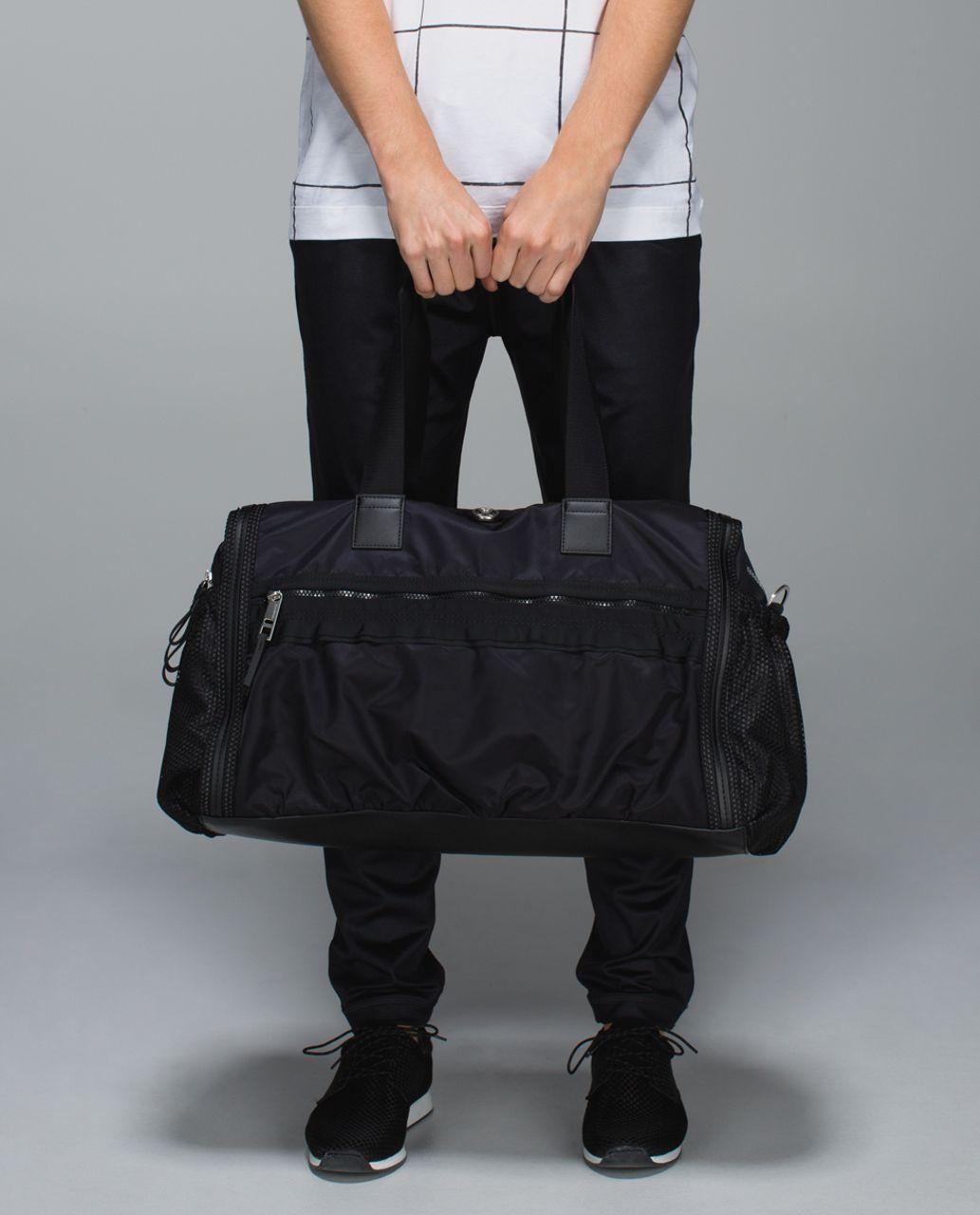 Lululemon Weekend Warrior Bag Reflective Black Lulu