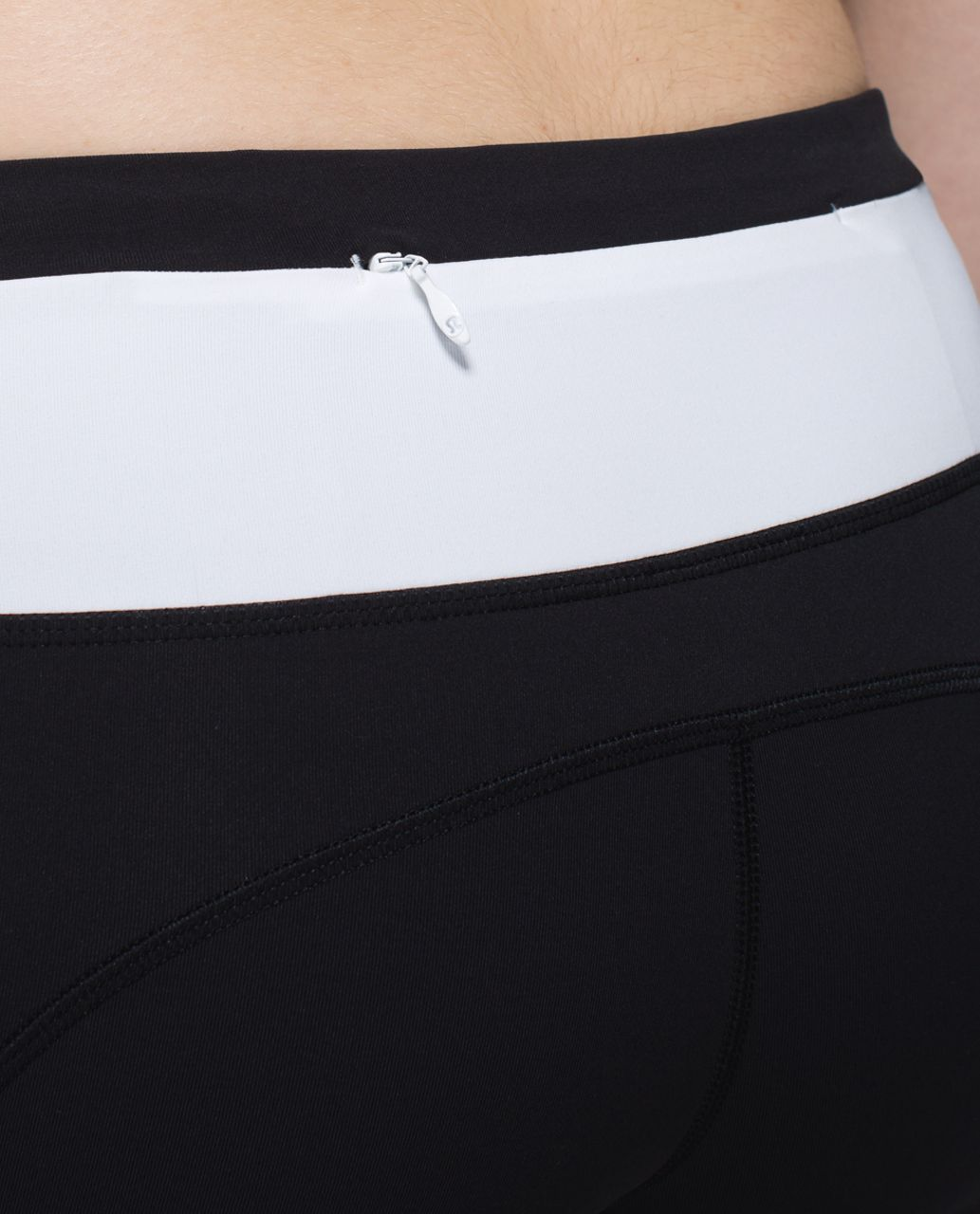 Lululemon Speed Tight II *Full-On Luxtreme - Black /  White