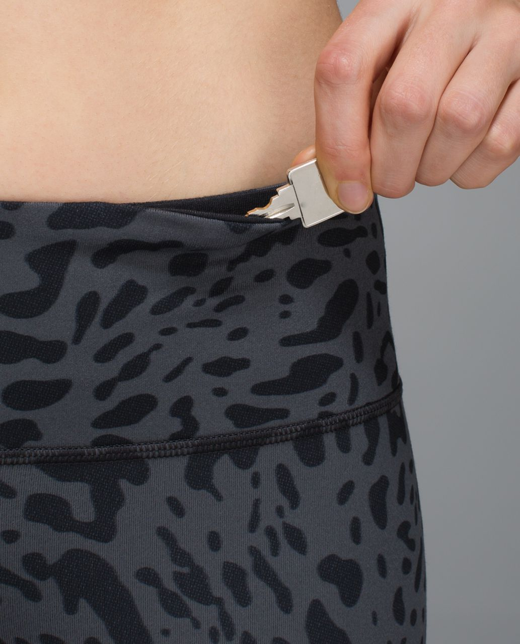 Lululemon Wunder Under Crop II - Animal Swirl Deep Coal Light