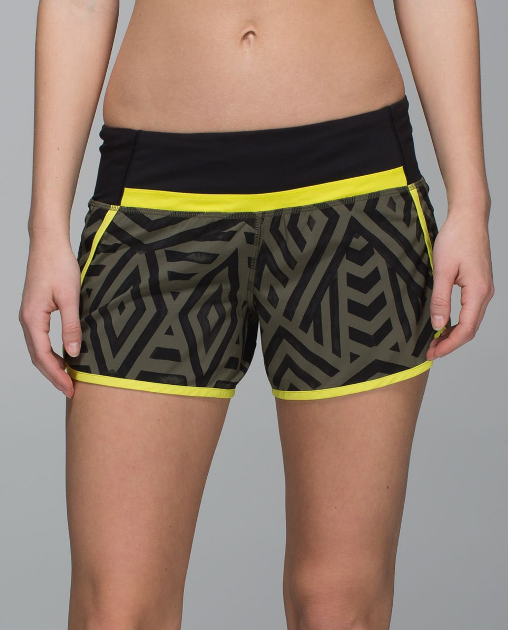 Lululemon Run Times Short *4-way Stretch - Chevron Shuffle Fatigue Green Black / Split Pea / Black