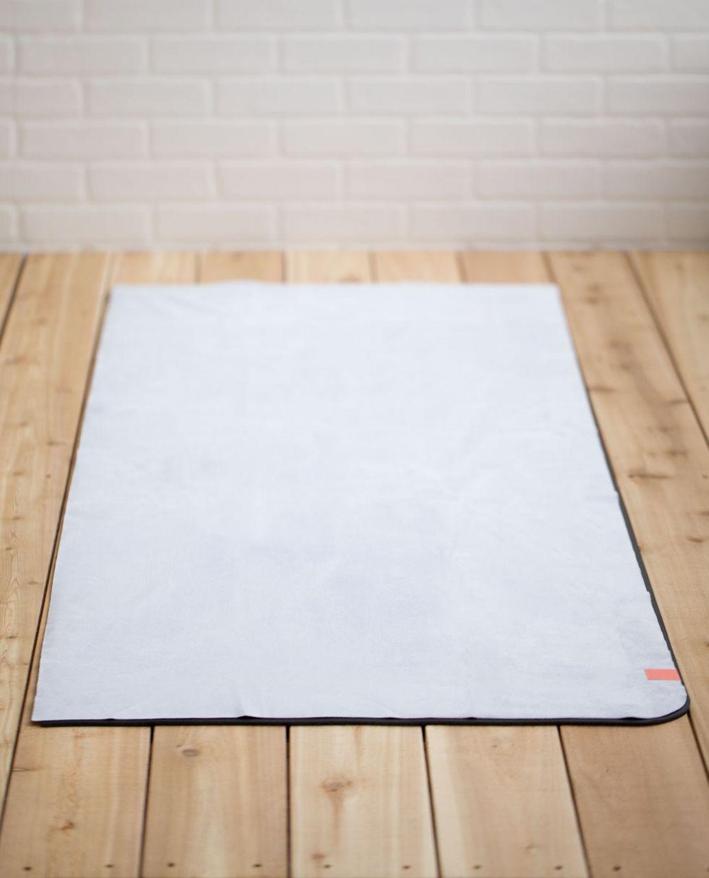 Lululemon The Towel - Early Blue