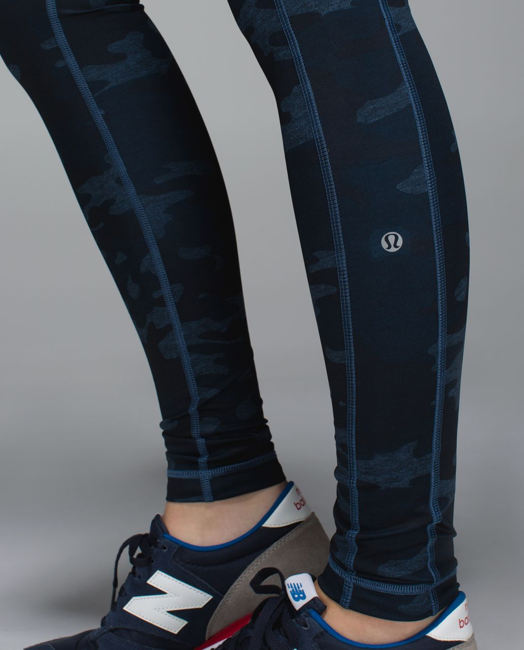 Lululemon Speed Tight II *Full-On Luxtreme - Heathered Texture Lotus Camo Oil Slick Blue / Inkwell