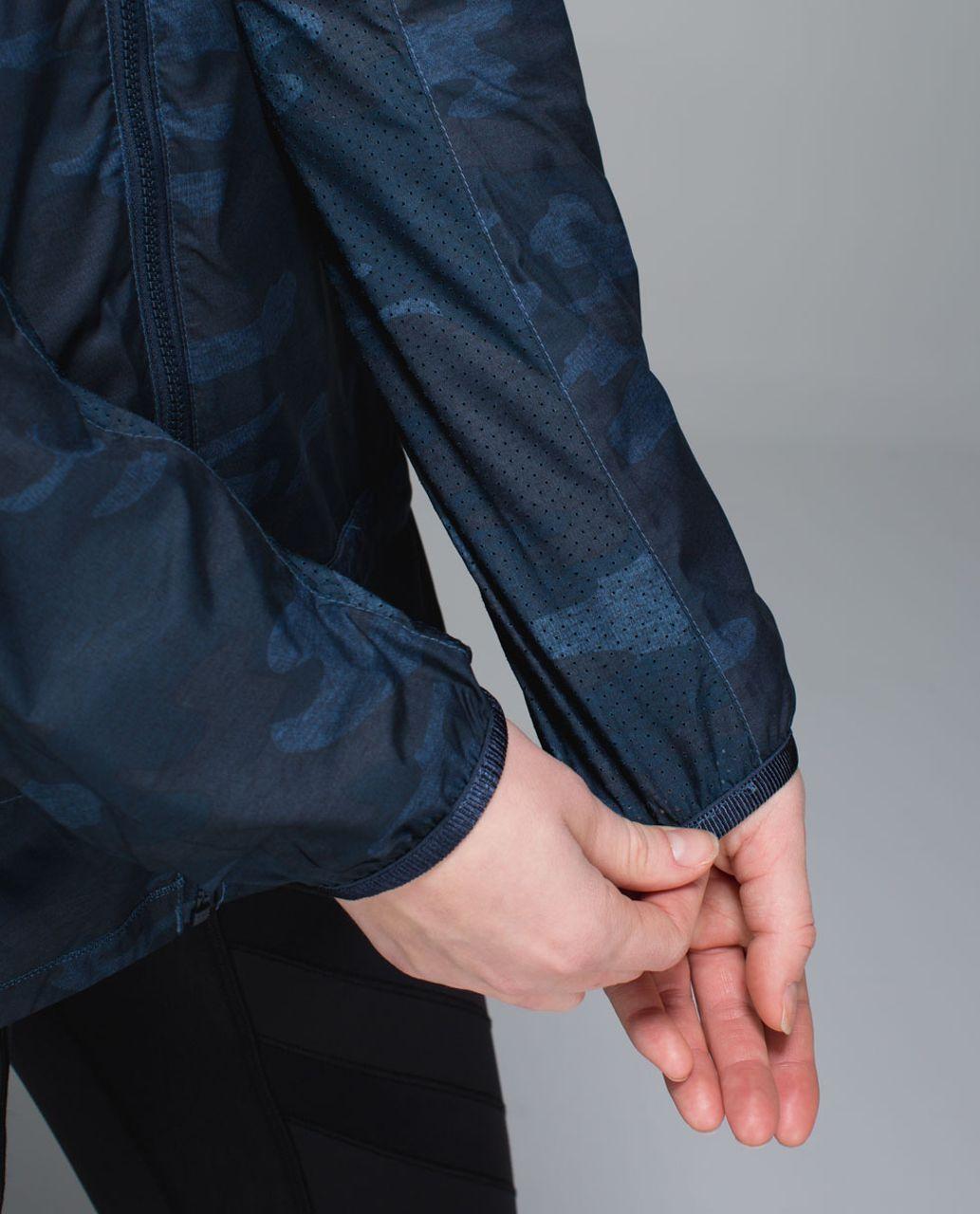 Lululemon Miss Misty Jacket - Heathered Texture Lotus Camo Oil Slick Blue