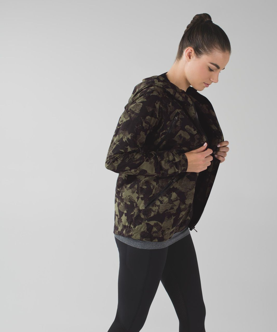 Lululemon Rise & Shine Jacket II - Jumbo Mystic Jungle Fatigue Green Black / Grey