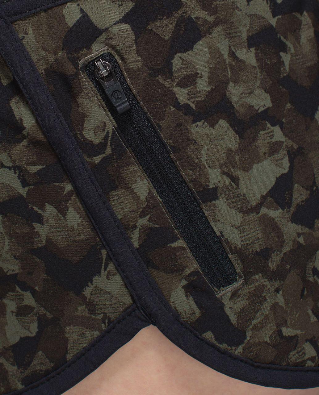 Lululemon Tracker Short III *4-way Stretch - Mystic Jungle Fatigue Green Black / Black