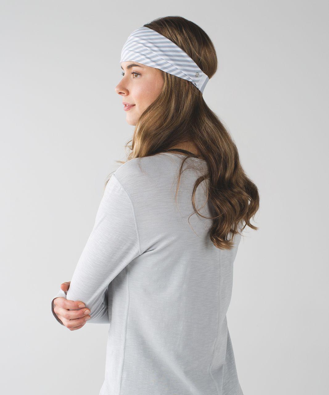 Lululemon Fringe Fighter Headband - Classic Stripe White Silver Fox / Heathered Silver Fox