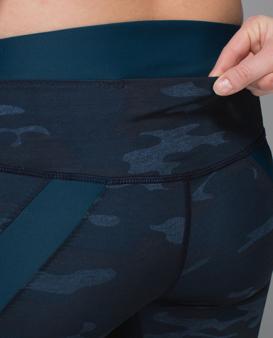 Lululemon Clip-In Short - Heathered Texture Lotus Camo Oil Slick Blue