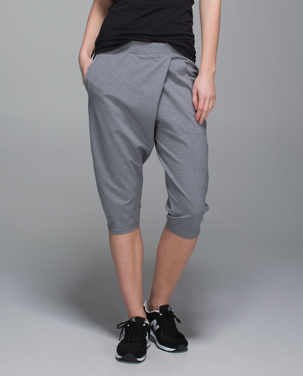 Lululemon Retreat Yogi Crop - Heathered Slate