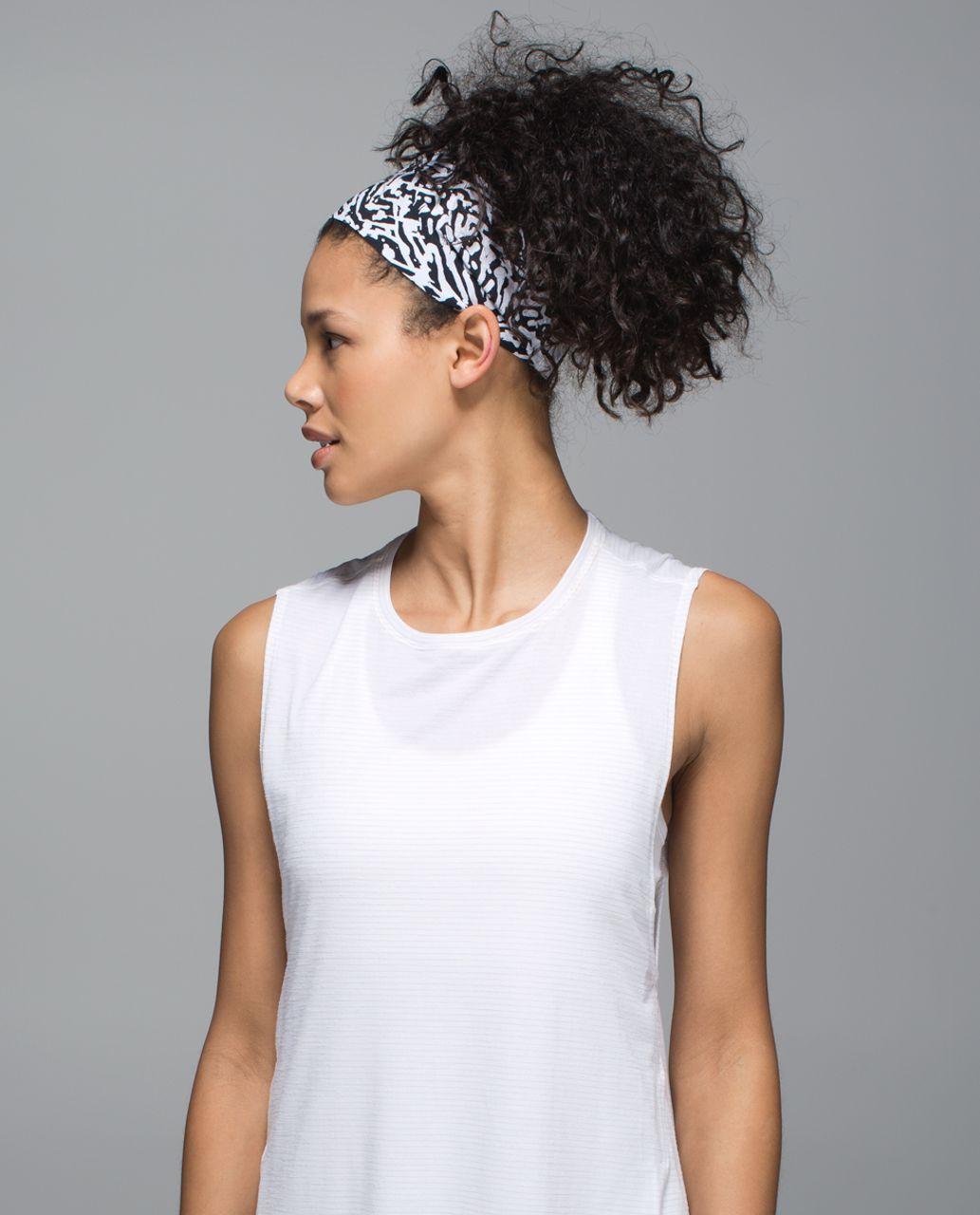 Lululemon Fringe Fighter Headband *Beach - Brushed Animal Black White / Black