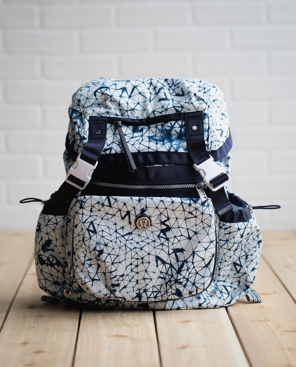 Lululemon Travelling Yogini Rucksack *Polyester - Star Crushed White Deep Navy / Naval Blue