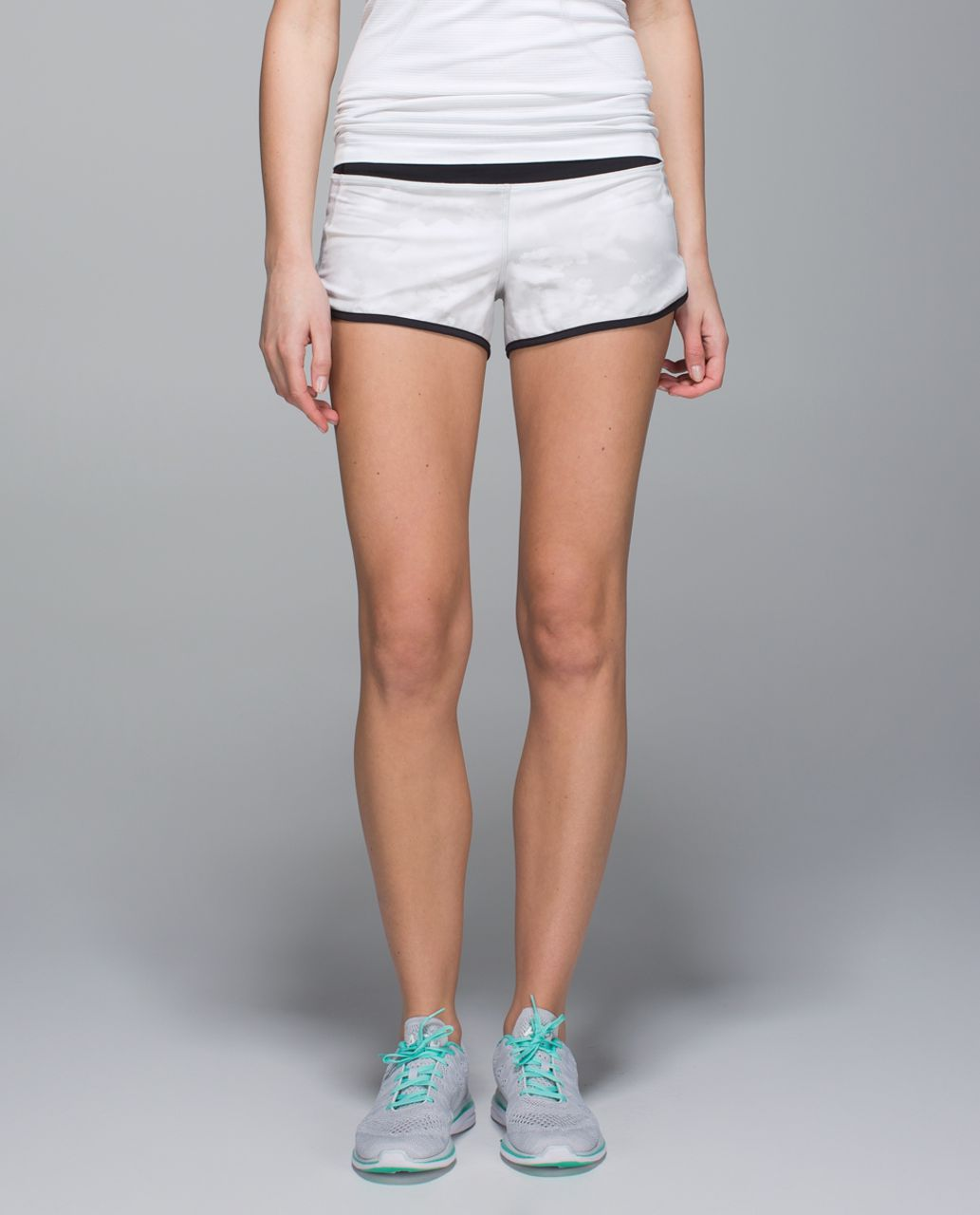 "Lululemon Speed Short *4-way Stretch 2.5"" - Nimbus Puff White Silver Spoon / Black"