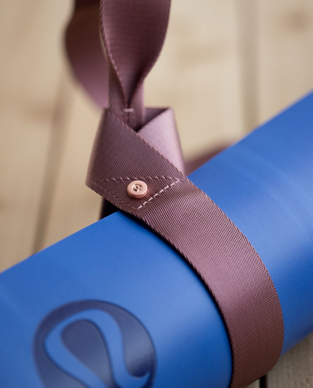 Lululemon Loop It Up Mat Strap - Bark Berry