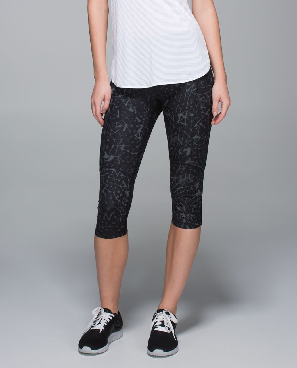 Lululemon Stash It Crop *Full-On Luxtreme - Star Crushed Coal Black / Black