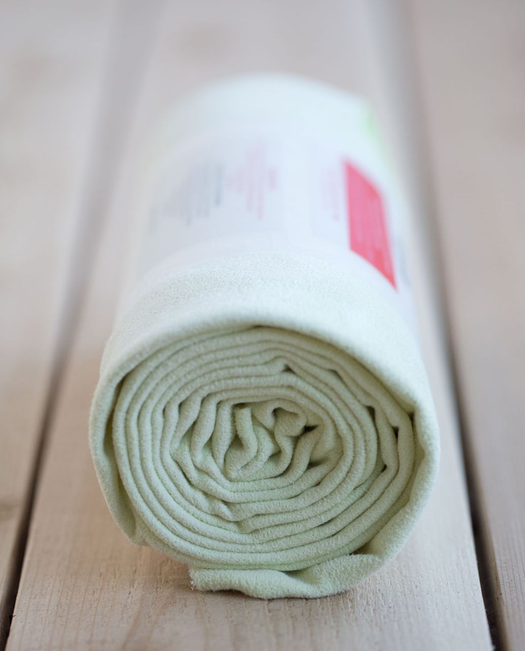 Lululemon The Towel - Zest