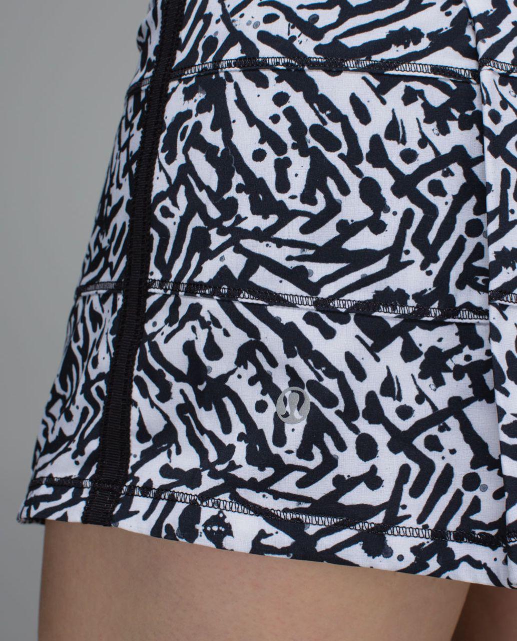 Lululemon Pace Rival Skirt II *4-way Stretch (Regular) - Brushed Animal White Black / Black