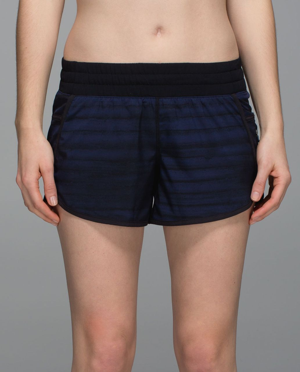 Lululemon Tracker Short III *4-way Stretch - Good Vibes Deep Navy Black / Black