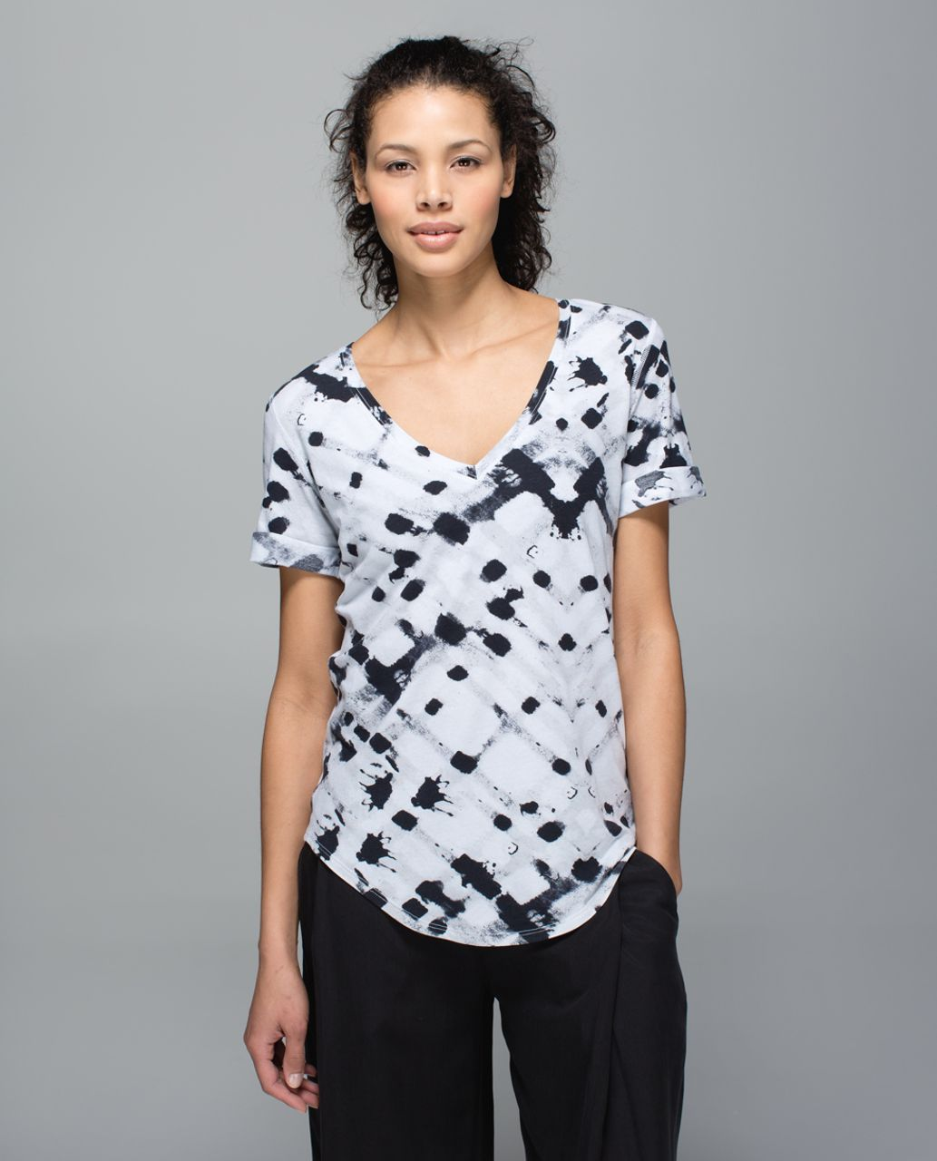 Lululemon Love Tee II - Ghost Weave White Black