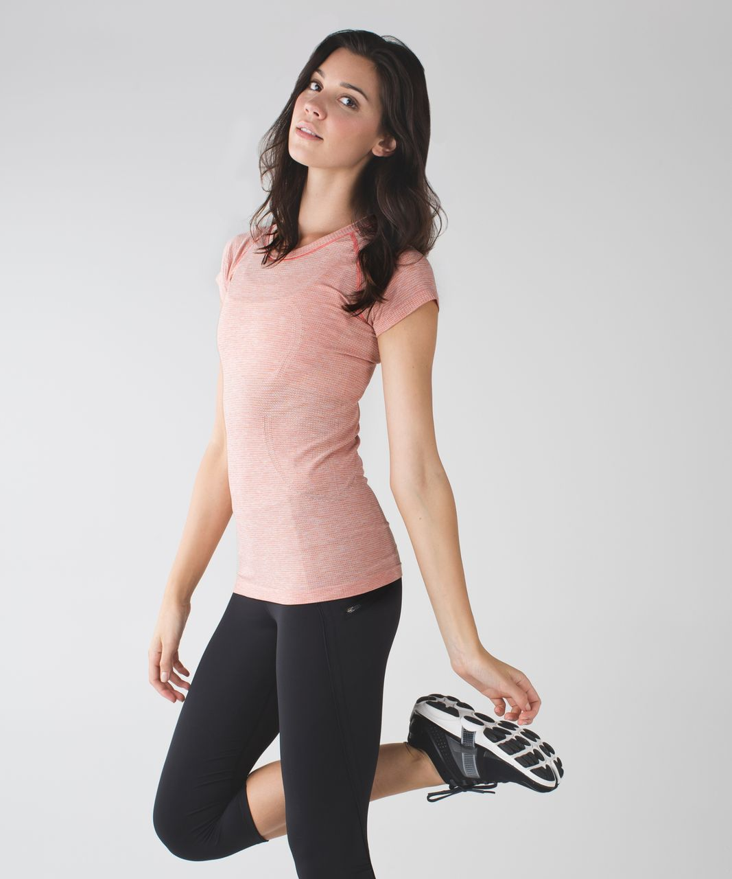 Lululemon Swiftly Tech Short Sleeve Crew - Jewelled Magenta / Peach Fuzz