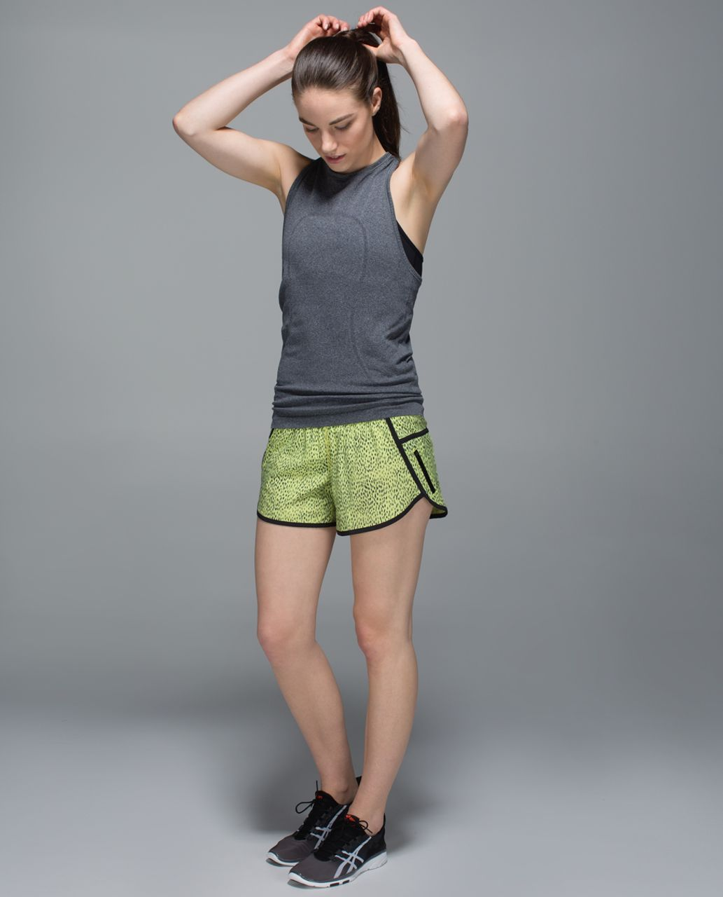 Lululemon Tracker Short III *4-way Stretch - Dottie Dash Clarity Yellow Black / Black