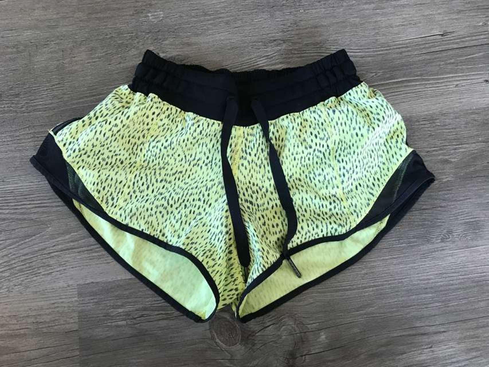 Lululemon Hotty Hot Short - Dottie Dash Clarity Yellow Black / Black