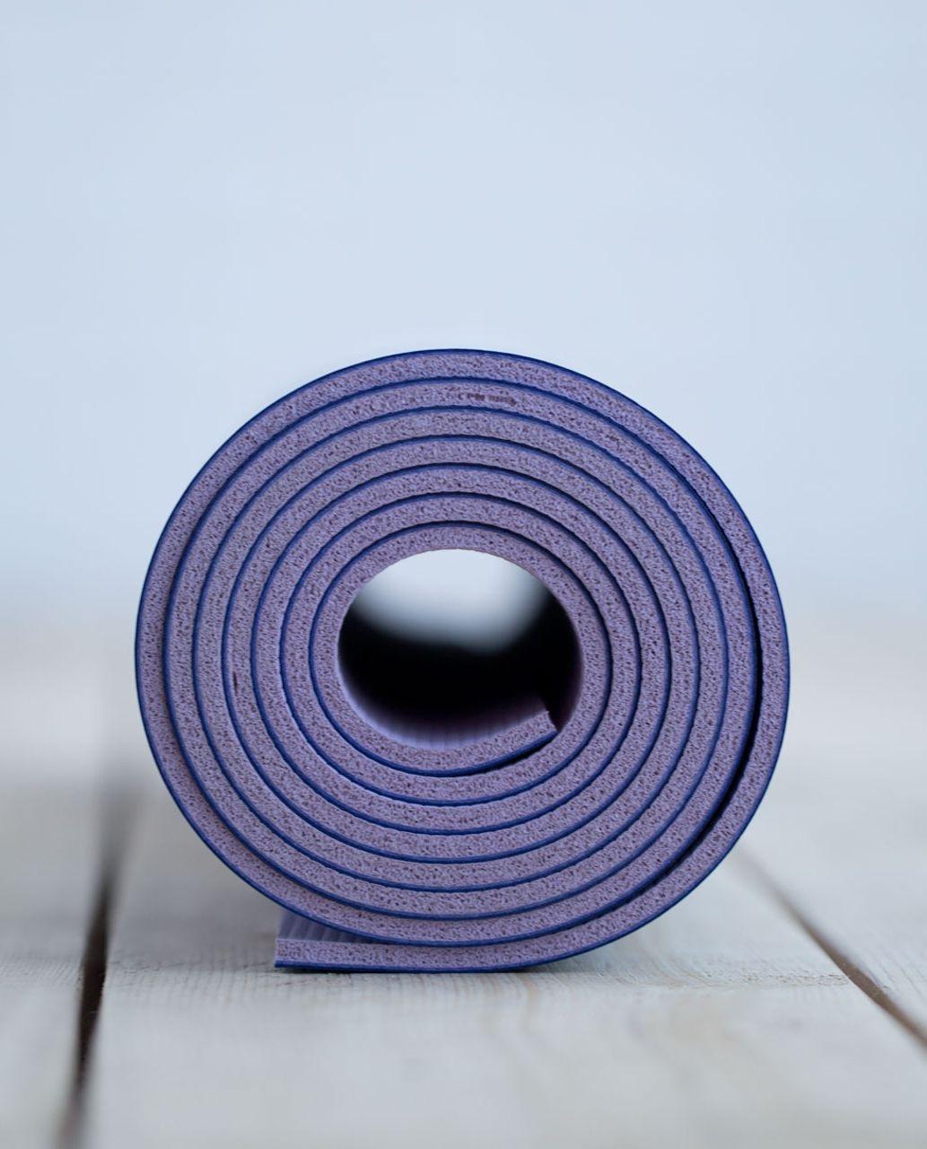Lululemon The Reversible Mat 5mm - Iris Flower / Pretty Purple