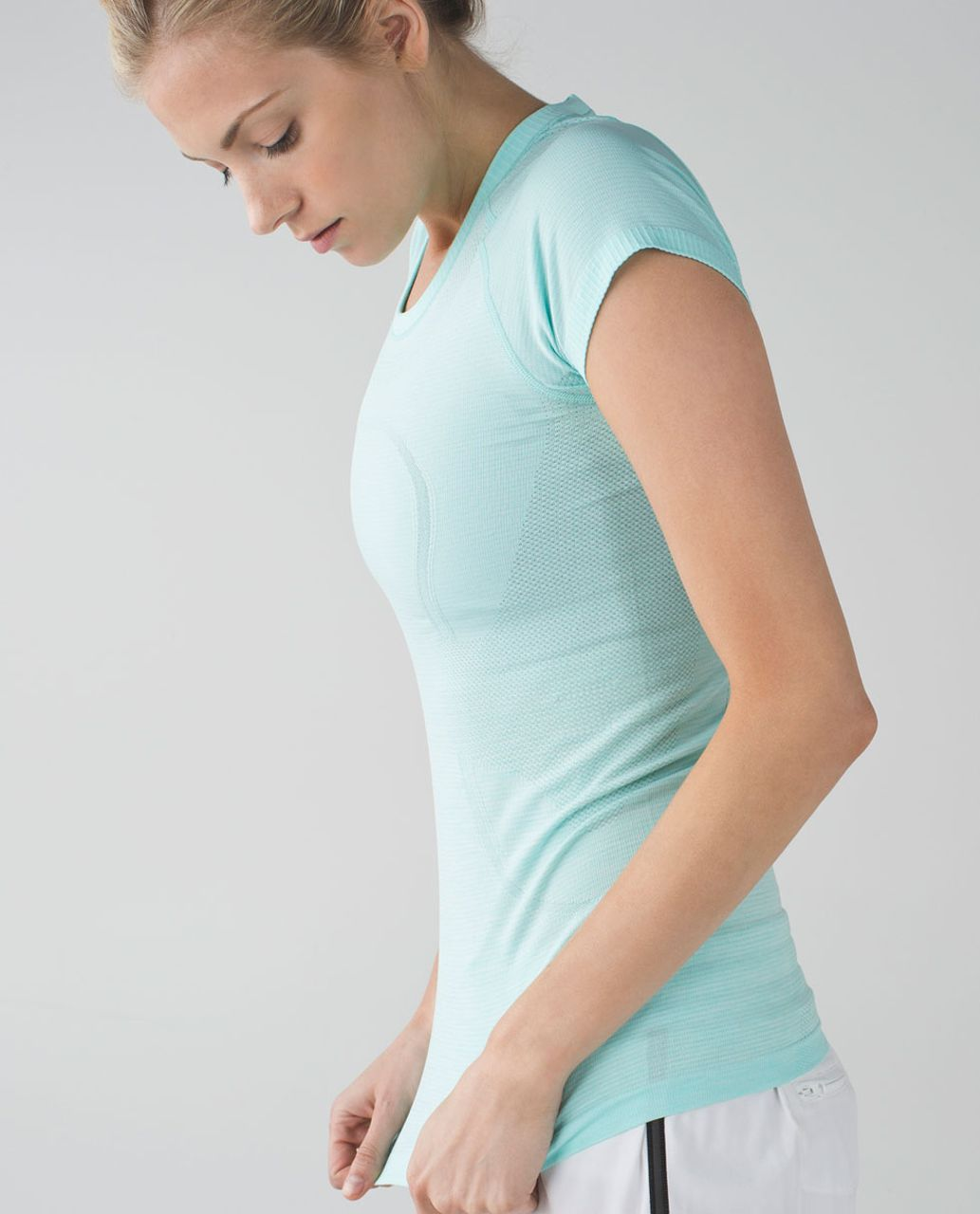 Lululemon Swiftly Tech Short Sleeve Crew - Heathered Tranquil Blue
