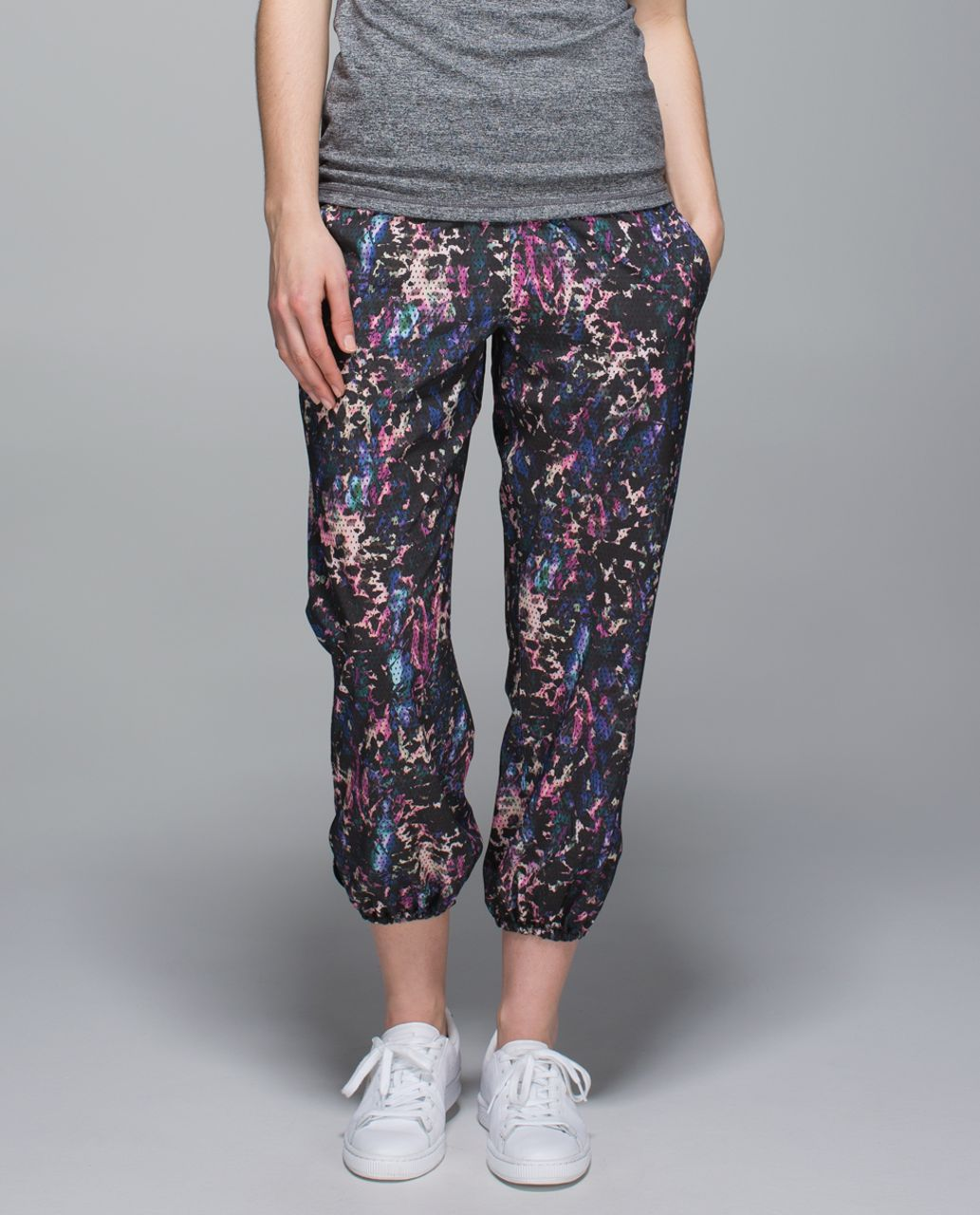079c695a28c1b Lululemon Om Pant - Floral Sport Black Multi / Black - lulu fanatics