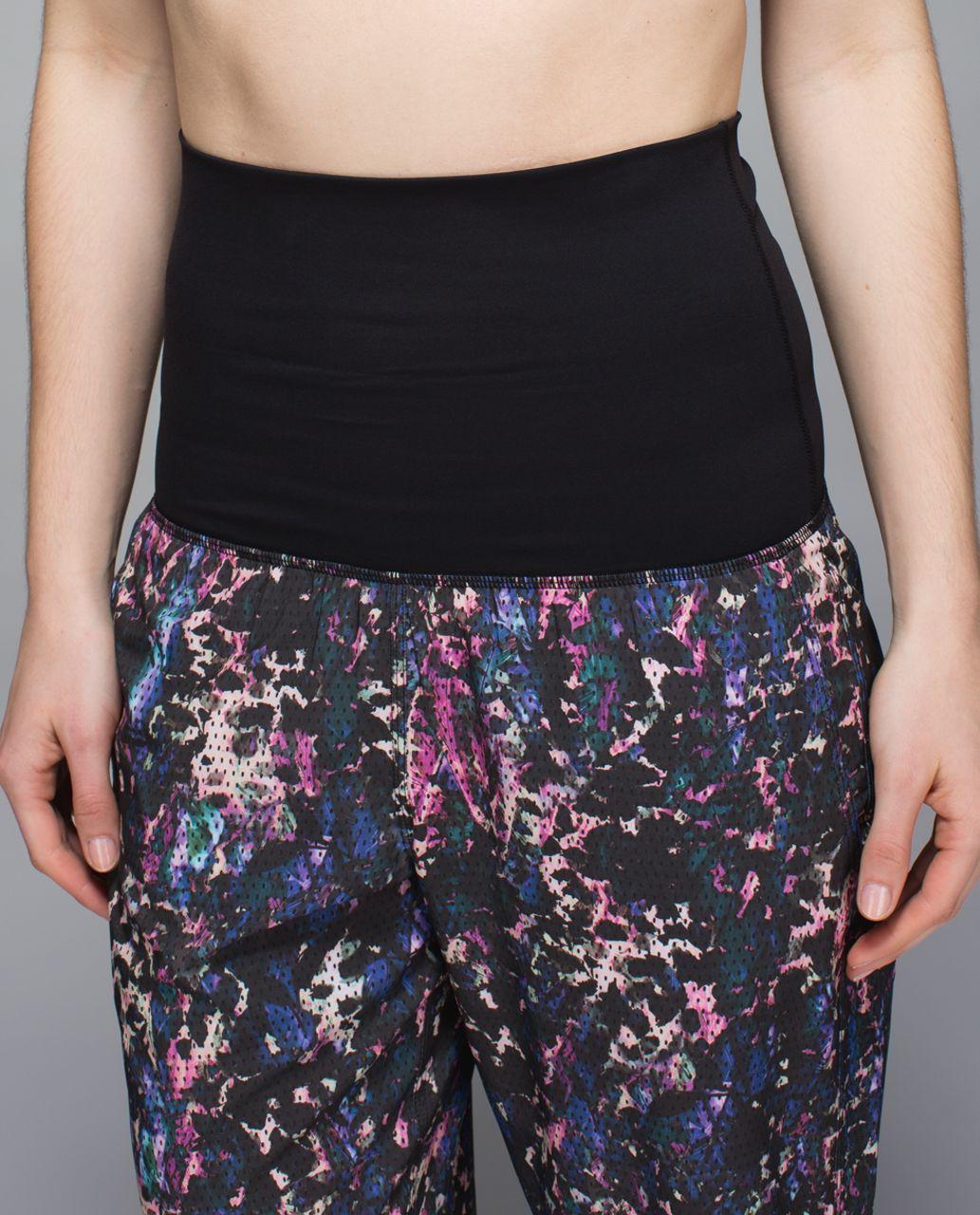 Lululemon Om Pant - Floral Sport Black Multi / Black