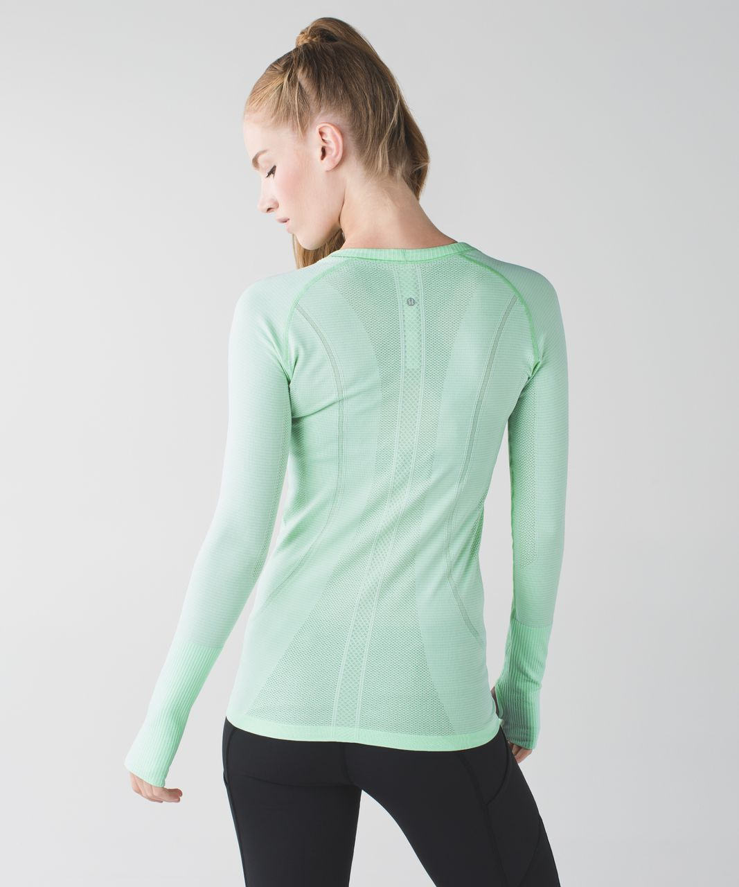 Lululemon Swiftly Tech Long Sleeve Crew - Heathered Pistachio