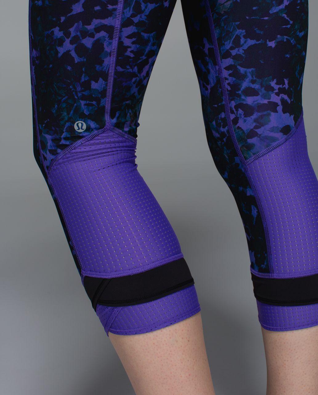 Lululemon Sweaty Or Not Crop *Full-On Luxtreme - Floral Sport Backdrop Iris Flower Multi / Iris Flower