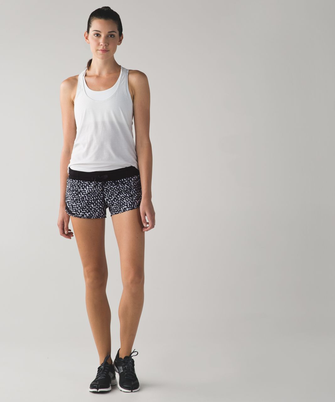 Lululemon Hotty Hot Short - Net Pop White Black / Black