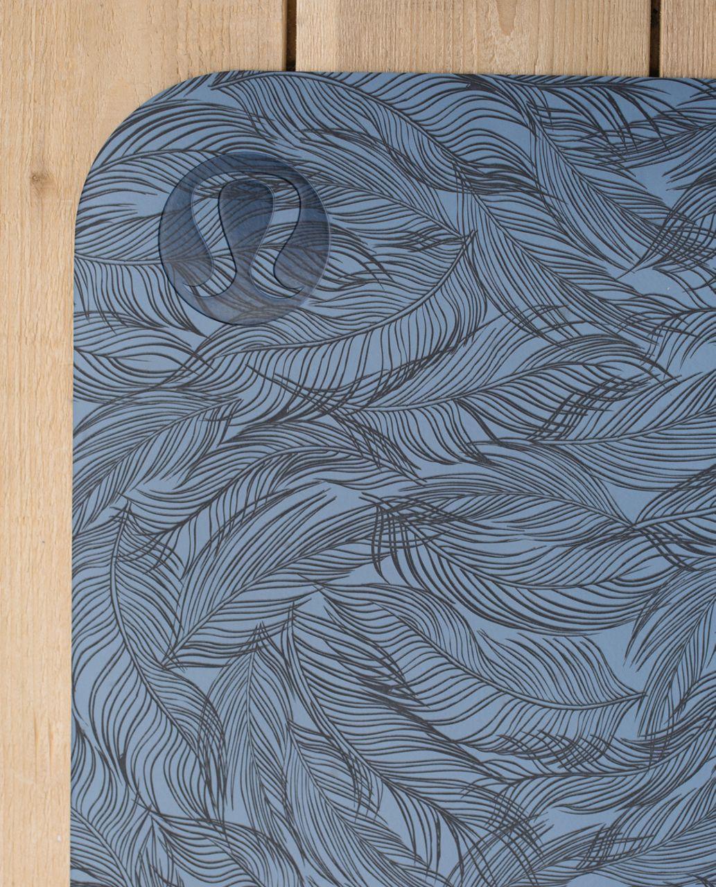 Lululemon The Reversible Mat 5mm - Sketchy Palm Blue Denim Deep Coal / Deep Coal