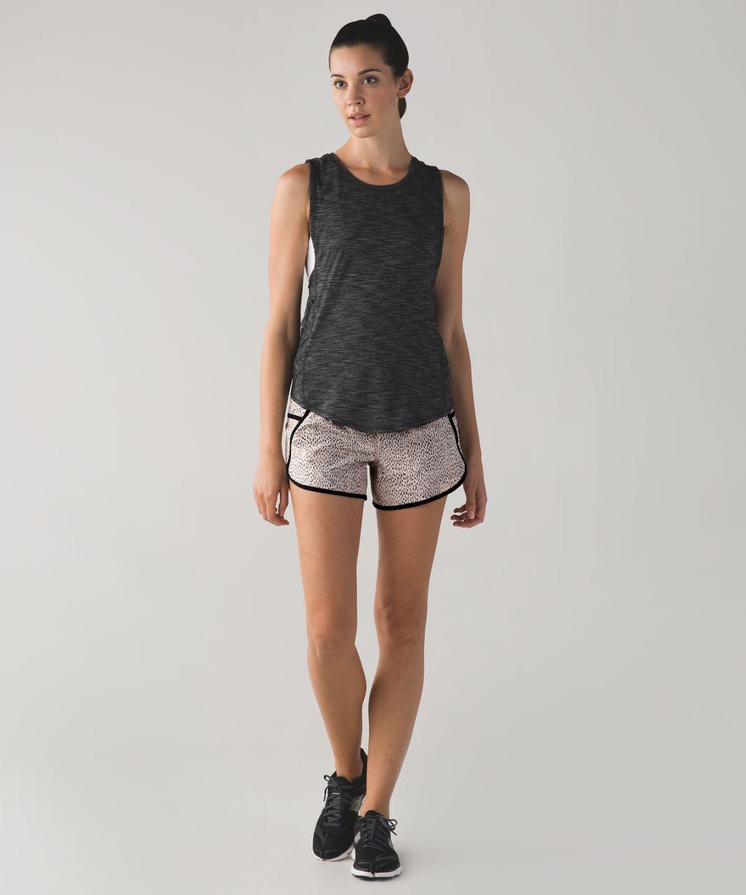 Lululemon Tracker Short III *4-way Stretch - Dottie Dash Grain Black / Black