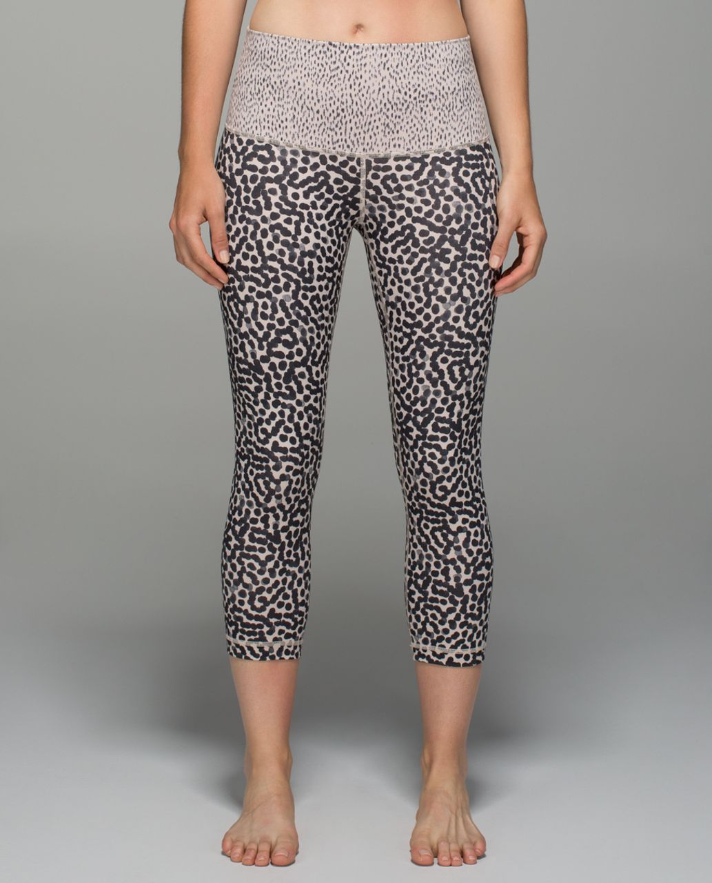 Lululemon Wunder Under Crop II *Full-On Luon (Roll Down) - Ace Spot Grain Black / Dottie Dash Grain Black