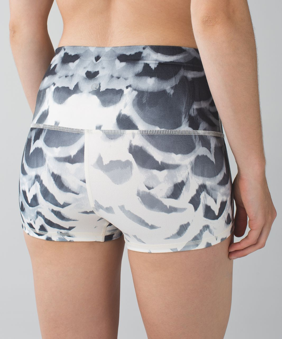 Lululemon Boogie Short (Roll Down) - Pretty Plume Angel Wing Black