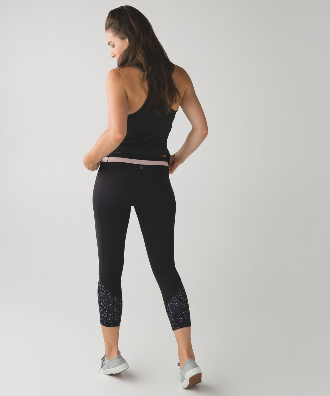 733490ff5 Lululemon Give Me Qi Crop - Butterfly Texture Mink Berry Black ...