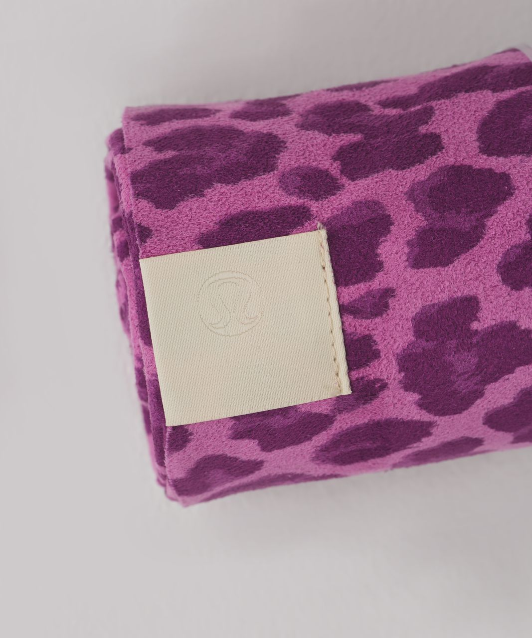 Lululemon The Towel - Mini Cherry Cheetah Mellow Magenta Ultra Violet