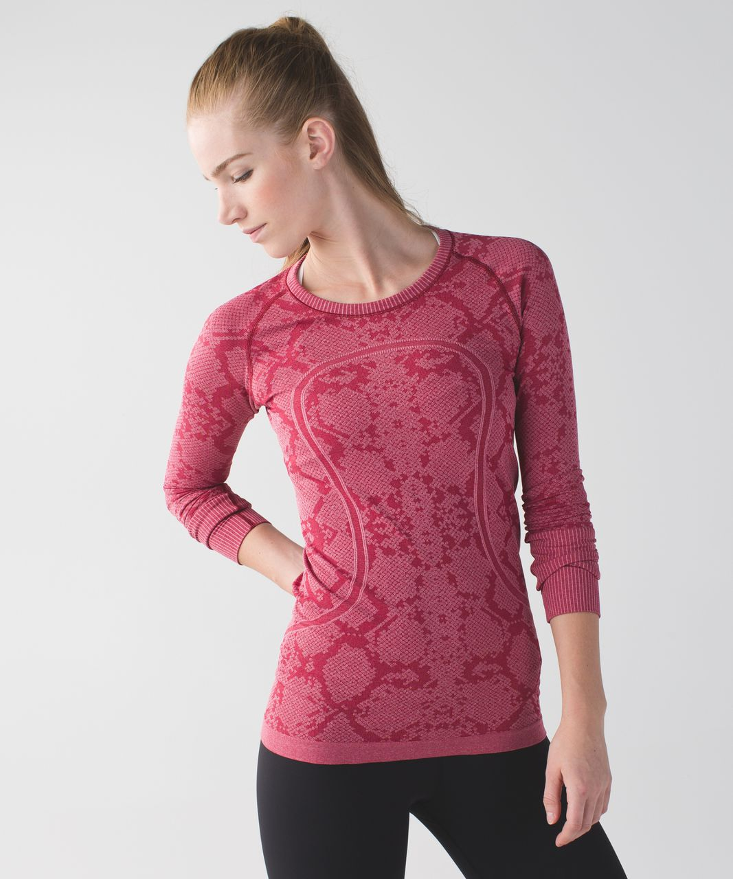 Lululemon Swiftly Tech Long Sleeve Crew - Heathered Cranberry