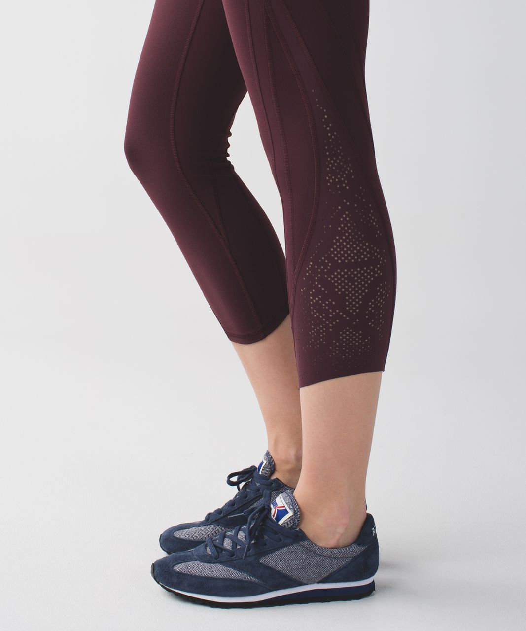 Lululemon Wunder Under Crop (Laser) *Full-On Luon - Bordeaux Drama
