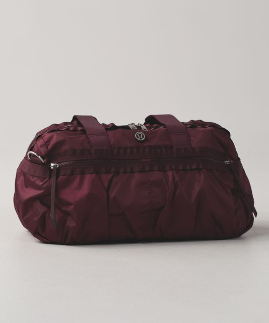 639ab248e73 Lululemon Gym To Win Duffel - Pitter Patter Bold Stripe Deep Coal ...