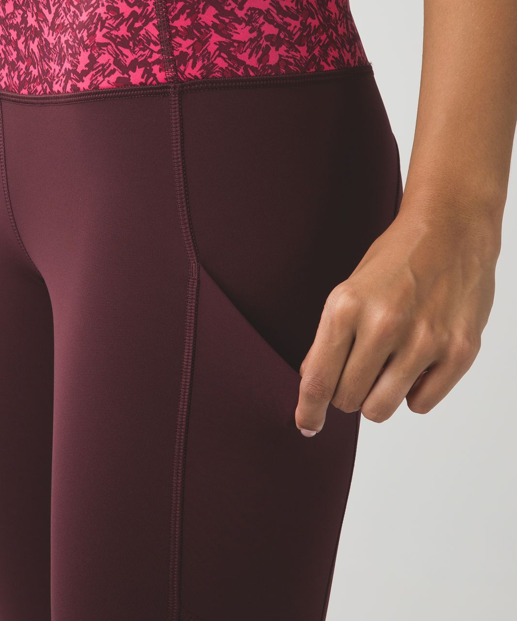 Lululemon Speed Tight IV *Brushed - Bordeaux Drama / Mountain Peaks Bon Bon Bordeaux Drama