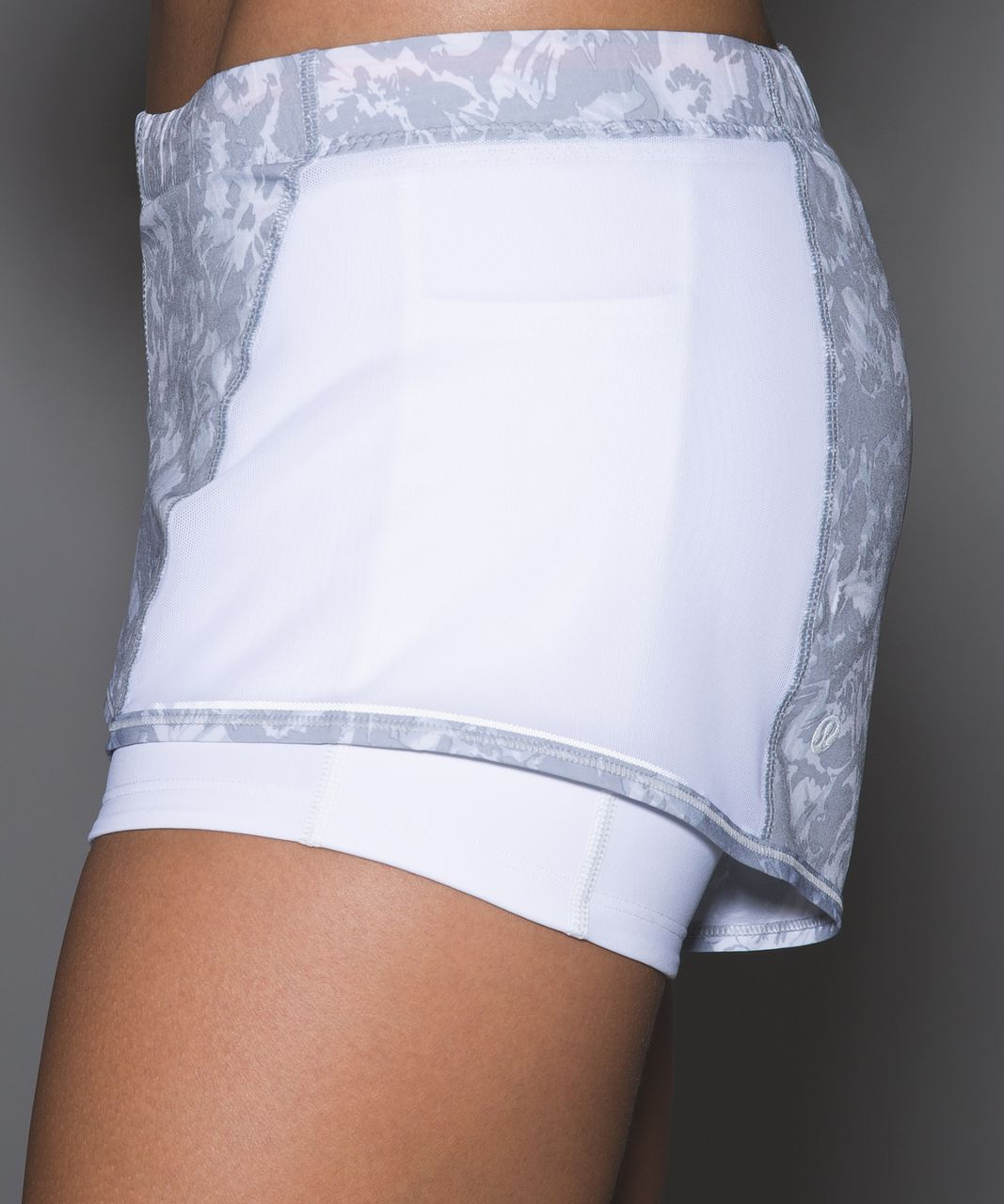 Lululemon Meshed Up Short - Fleur Sombre White Silver Fox / White