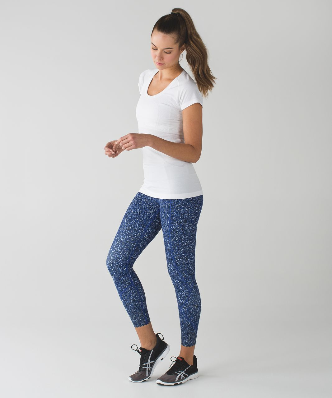 Lululemon Tight Stuff Tight - Simply Shadow Wrap Sapphire Blue Black