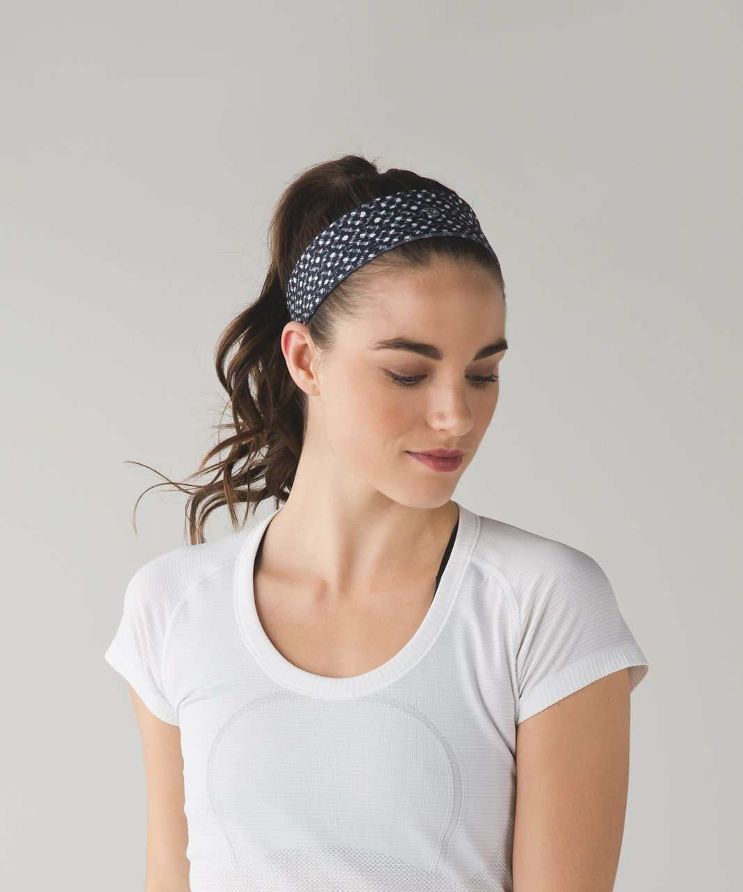Lululemon Fly Away Tamer Headband 2.0 - Millie Mesh White Black