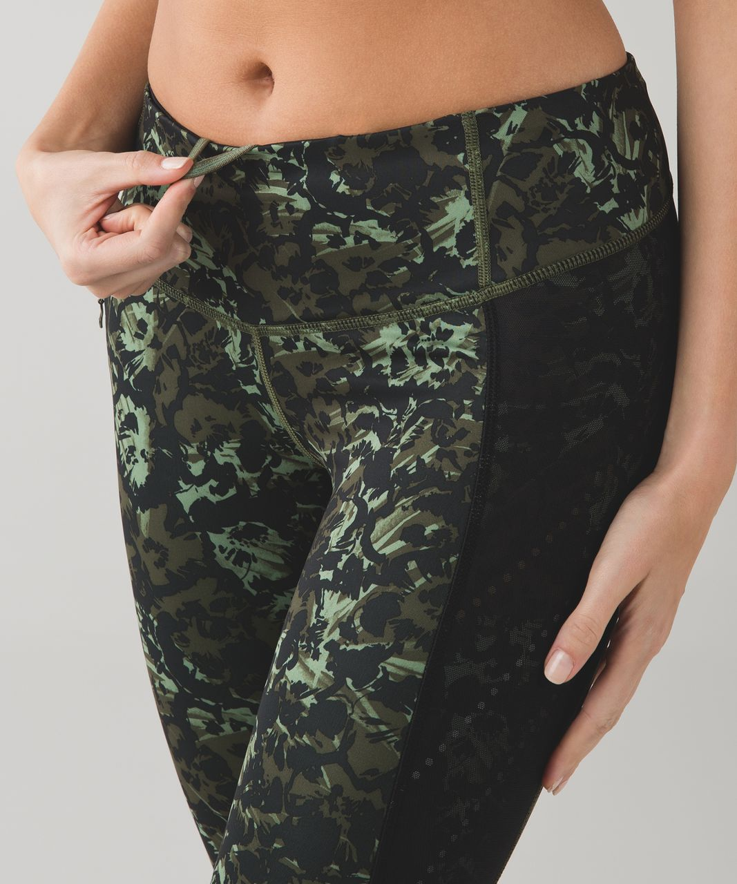 Lululemon Stop At Nothing Crop *Full-On Luxtreme - Fleur Sombre Desert Olive Fatigue Green / Black