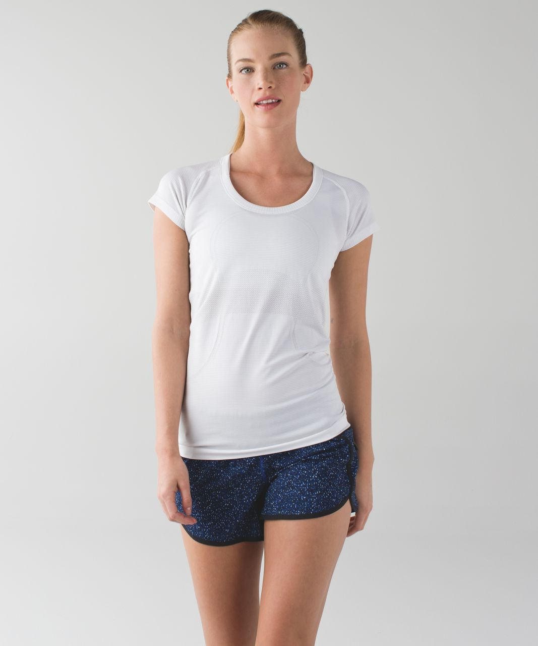 Lululemon Tracker Short III *4-way Stretch - Flashback Static Caspian Blue Sapphire Blue / Black