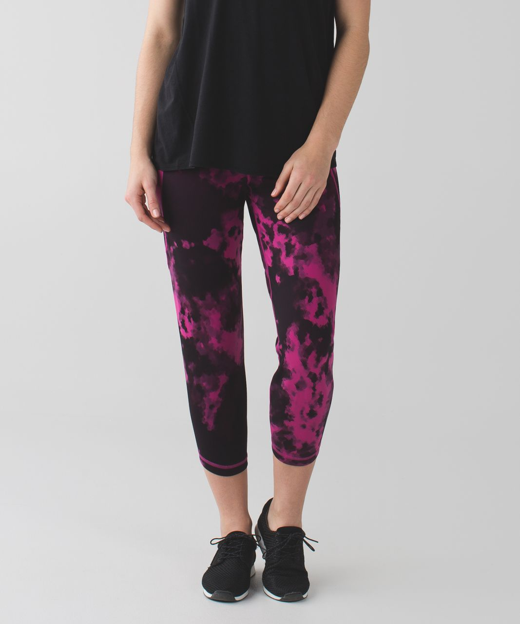 Lululemon Shake It Out Crop - Blooming Pixie Raspberry Black / Black