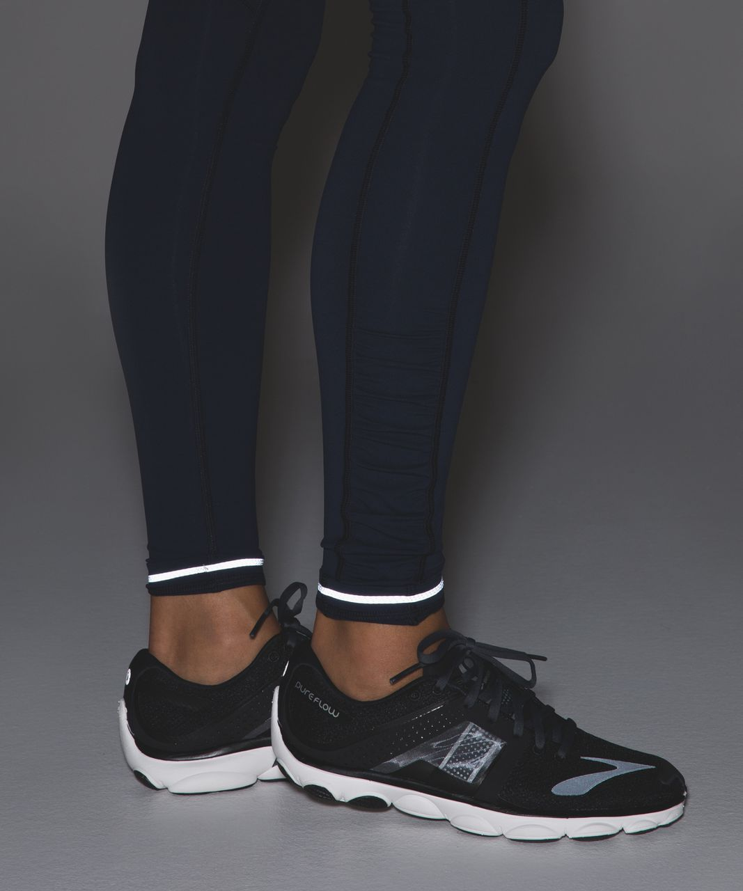 Lululemon Speed Tight IV *Brushed - Inkwell / Wind Chill White Lullaby / Ray